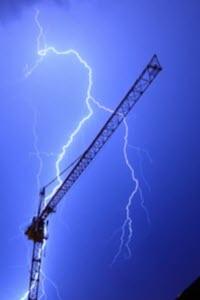 Preview image for LOM object Wetterphänomene: Warum zieht ein Kran Blitze an? (1/5)