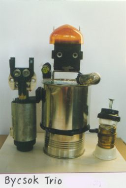 Preview image for LOM object Alltägliche Gegenstände miteinander kombinieren und zu Menschen-, Tier- oder Phantasiegestalten umdeuten
