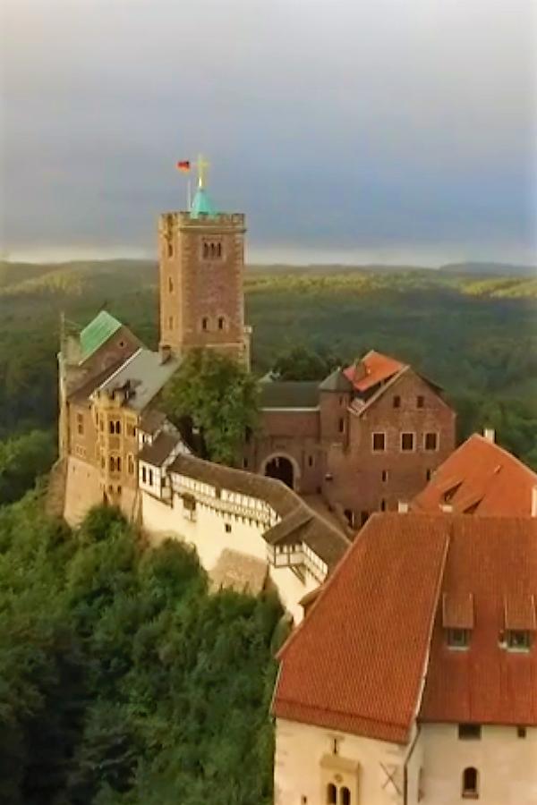 Preview image for LOM object Tatorte der Reformation: Entführt auf die Wartburg (1/8)